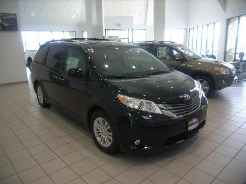 Photo Image Gallery & Touchup Paint: Toyota Sienna in Black    (202)  YEARS: 2011-2014