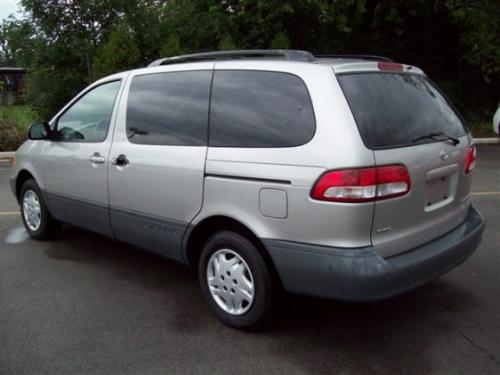 Photo Image Gallery & Touchup Paint: Toyota Sienna in Silver Shadow Pearl  (1D7)  YEARS: 2001-2003