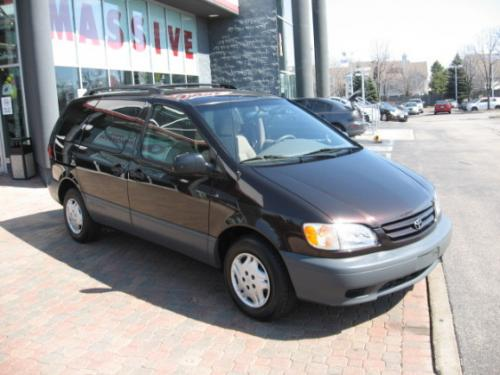 Photo Image Gallery & Touchup Paint: Toyota Sienna in Black Walnut Pearl  (3P5)  YEARS: 2001-2003