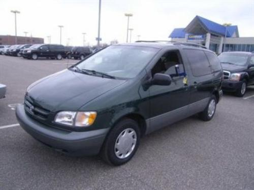 Photo Image Gallery & Touchup Paint: Toyota Sienna in Woodland Pearl   (6R1)  YEARS: 1999-2003