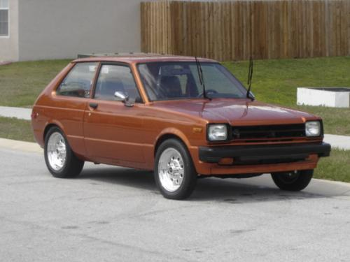 Photo Image Gallery & Touchup Paint: Toyota Starlet in Copper Metallic   (474)  YEARS: 1981-1981