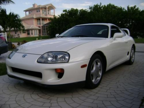 Photo Image Gallery & Touchup Paint: Toyota Supra in Super White   (040)  YEARS: 1993-1998