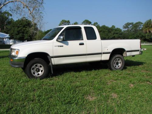 Photo Image Gallery & Touchup Paint: Toyota T100 in White    (045)  YEARS: 1993-1997