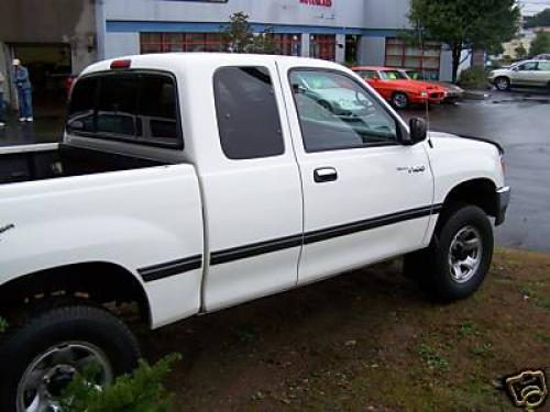 Photo Image Gallery & Touchup Paint: Toyota T100 in Warm White   (058)  YEARS: 1998-1998