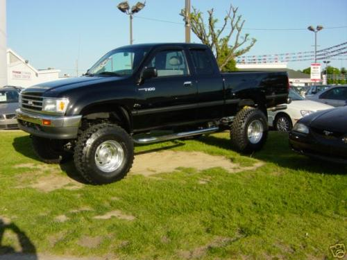 Photo Image Gallery & Touchup Paint: Toyota T100 in Black    (202)  YEARS: 1993-1998