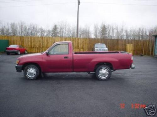 Photo Image Gallery & Touchup Paint: Toyota T100 in Garnet Pearl   (3K3)  YEARS: 1993-1995