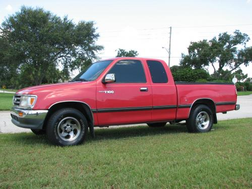 Photo Image Gallery & Touchup Paint: Toyota T100 in Radiant Red   (3L5)  YEARS: 1998-1998