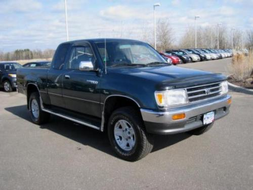 Photo Image Gallery & Touchup Paint: Toyota T100 in Sierra Green Metallic  (6N7)  YEARS: 1997-1998