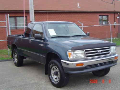 Photo Image Gallery & Touchup Paint: Toyota T100 in Evergreen Pearl   (751)  YEARS: 1993-1996