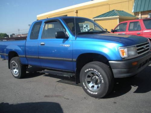 Photo Image Gallery & Touchup Paint: Toyota T100 in Tropical Blue Metallic  (8B6)  YEARS: 1994-1998