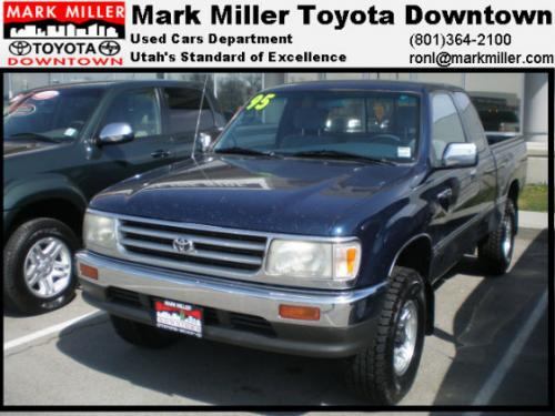 Photo Image Gallery & Touchup Paint: Toyota T100 in Dark Blue Pearl  (8E3)  YEARS: 1993-1997