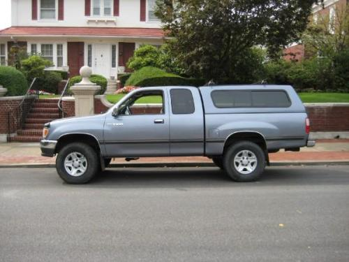 Photo Image Gallery & Touchup Paint: Toyota T100 in Cool Steel Metallic  (926)  YEARS: 1998-1998