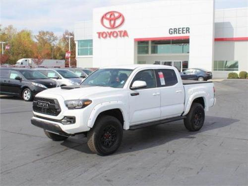Photo Image Gallery & Touchup Paint: Toyota Tacoma in Super White   (040)  YEARS: 2016-2017