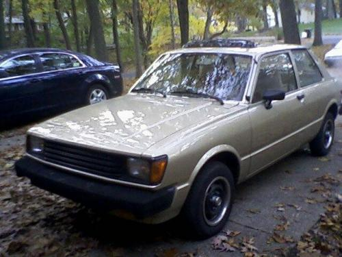 Photo Image Gallery & Touchup Paint: Toyota Tercel in Beige Metallic   (4A4)  YEARS: 1981-1982