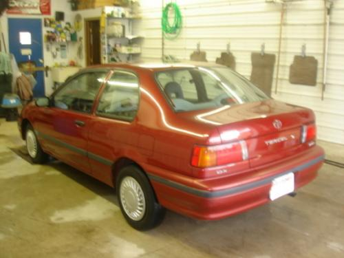 Photo Image Gallery & Touchup Paint: Toyota Tercel in Medium Red Pearl  (3H4)  YEARS: 1991-1992