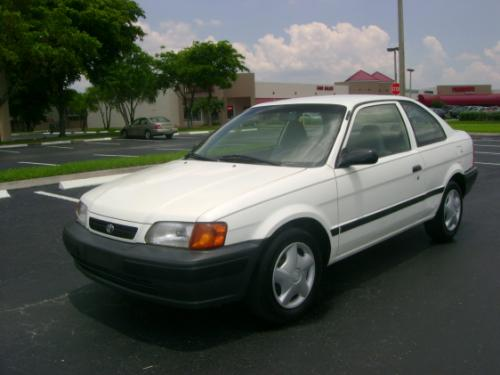 Photo Image Gallery & Touchup Paint: Toyota Tercel in Super White   (040)  YEARS: 1995-1998