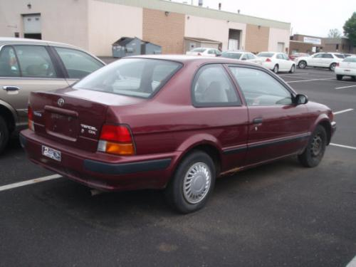 Photo Image Gallery & Touchup Paint: Toyota Tercel in Ruby Pearl   (3L3)  YEARS: 1995-1996