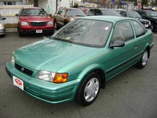 Photo Image Gallery & Touchup Paint: Toyota Tercel in Meadow Green Pearl  (6P6)  YEARS: 1997-1998