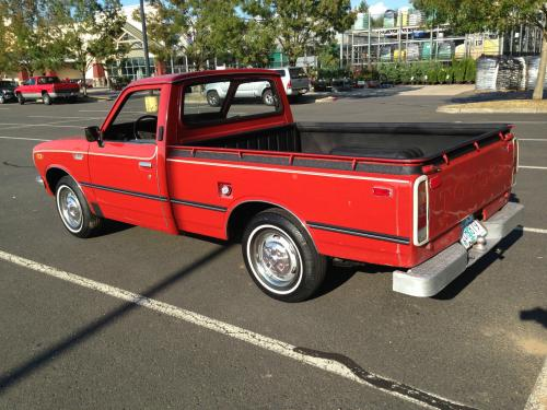 Photo Image Gallery & Touchup Paint: Toyota Truck in Red    (301)  YEARS: 1972-1973