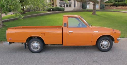 Photo Image Gallery & Touchup Paint: Toyota Truck in Orange    (352)  YEARS: 1977-1978