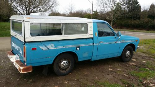Photo Image Gallery & Touchup Paint: Toyota Truck in Light Blue   (854)  YEARS: 1972-1975