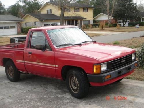 Photo Image Gallery & Touchup Paint: Toyota Truck in Red    (3D7)  YEARS: 1986-1988