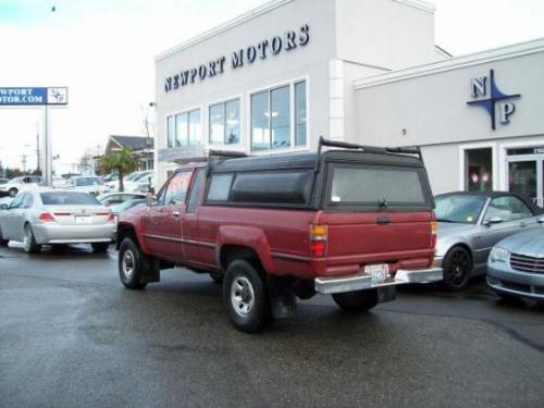 Photo Image Gallery & Touchup Paint: Toyota Truck in Garnet Red Metallic  (3E4)  YEARS: 1987-1988