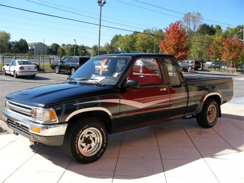 Photo Image Gallery & Touchup Paint: Toyota Truck in Black    (202)  YEARS: 1989-1995