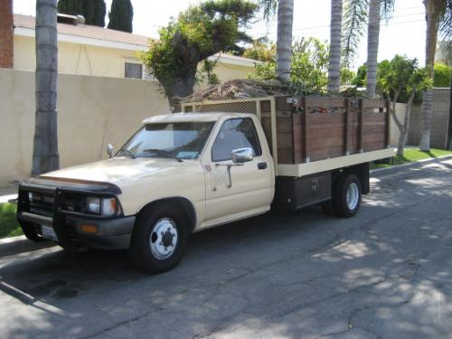 Photo Image Gallery & Touchup Paint: Toyota Truck in Desert Tan   (4J9)  YEARS: 1989-1990