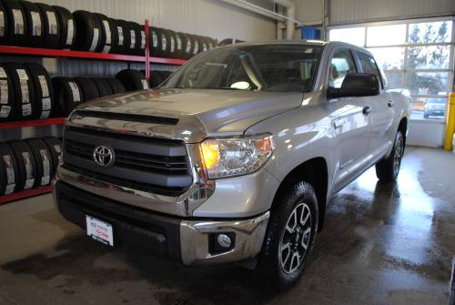 Photo Image Gallery & Touchup Paint: Toyota Tundra in Silver Sky Metallic  (1D6)  YEARS: 2007-2013