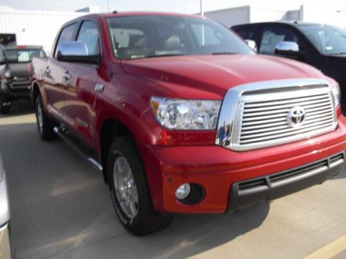Photo Image Gallery & Touchup Paint: Toyota Tundra in Barcelona Red Metallic  (3R3)  YEARS: 2017-2017