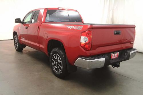 Photo Image Gallery & Touchup Paint: Toyota Tundra in Barcelona Red Metallic  (3R3)  YEARS: 2014-2018