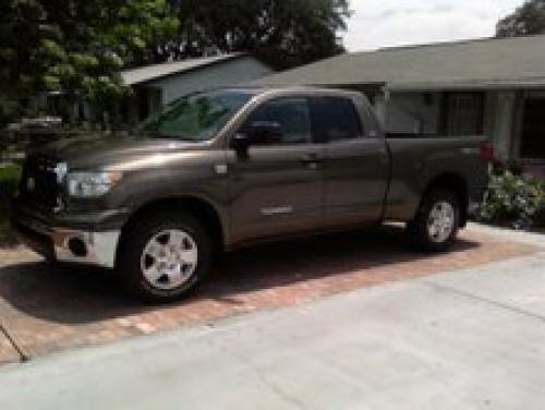 Photo Image Gallery & Touchup Paint: Toyota Tundra in Pyrite Mica   (4T3)  YEARS: 2007-2013