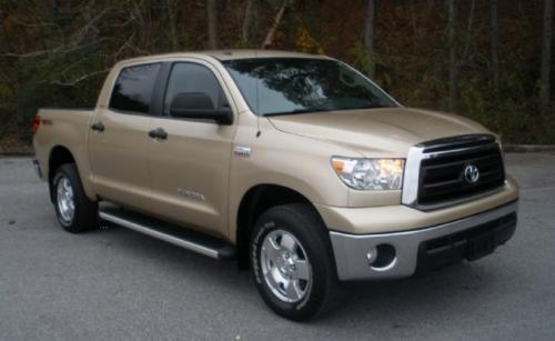 Photo Image Gallery & Touchup Paint: Toyota Tundra in Sandy Beach Metallic  (4T8)  YEARS: 2010-2010