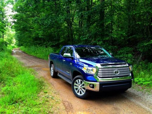 Photo Image Gallery & Touchup Paint: Toyota Tundra in Blue Ribbon Metallic  (8T5)  YEARS: 2014-2015
