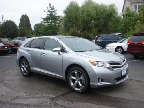 Photo Image Gallery & Touchup Paint: Toyota Venza in Celestial Silver Metallic  (1J9)  YEARS: 2015-2015