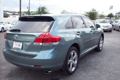 Photo Image Gallery & Touchup Paint: Toyota Venza in Aloe Green Metallic  (776)  YEARS: 2009-2012