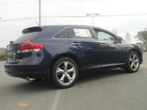 Photo Image Gallery & Touchup Paint: Toyota Venza in Parisian Night Pearl  (8W6)  YEARS: 2015-2015