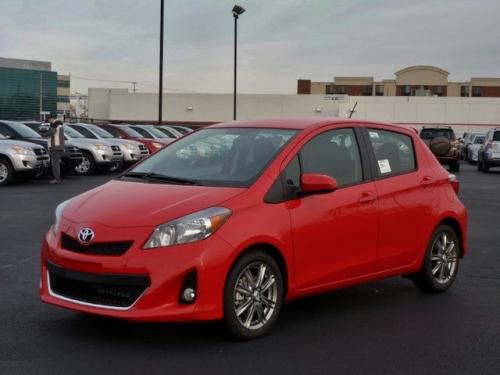 Photo Image Gallery & Touchup Paint: Toyota Yaris in Absolutely Red   (3P0)  YEARS: 2012-2016